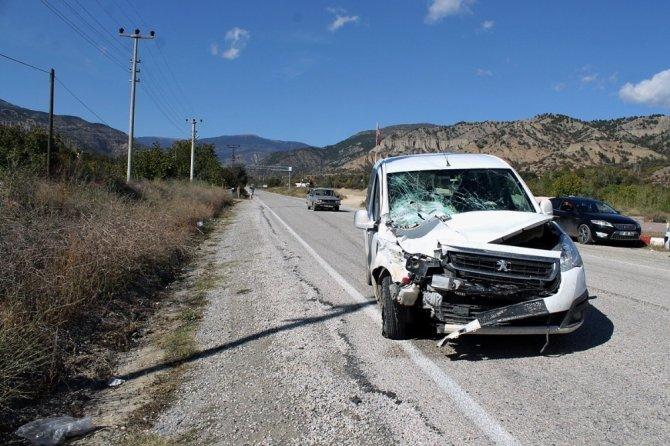 Tosya'da trafik kazası: 3 yaralı