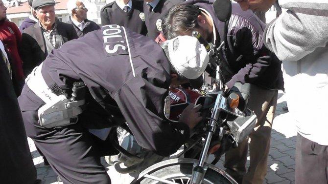 Kulu'da çalıntı ve plakasız motosikletler toplanıyor