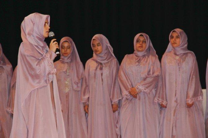 Kütahya'da hafızlık eğitimini tamamlayan 31 kız öğrenci için icazet merasimi