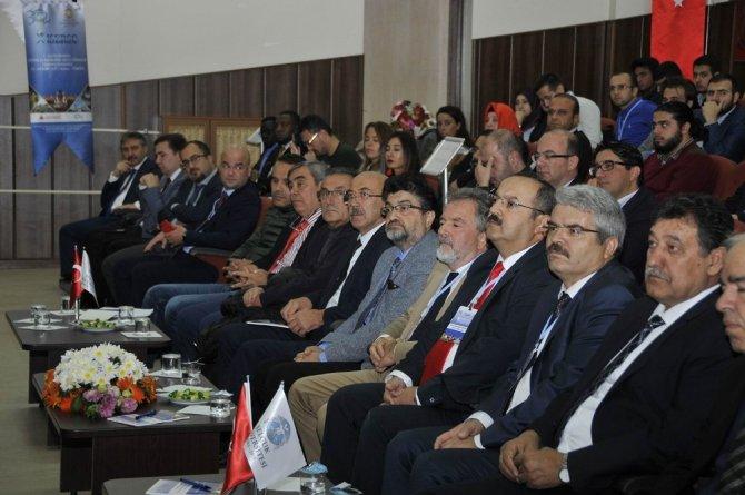 Konya'da öğrenci kongresi başladı