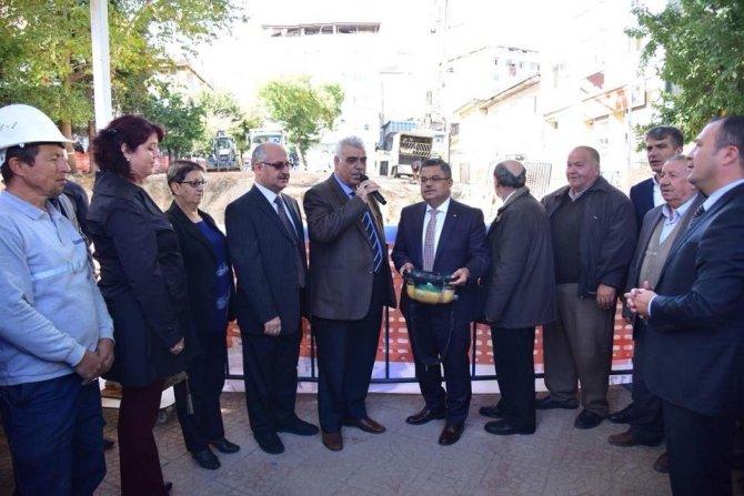 Şerifpaşa Camii Meydan Düzenleme projesinin temeli dualarla atıldı