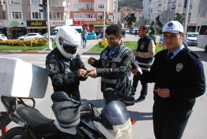 50 motosiklet sürücüsüne 31 bin lira ceza kesildi