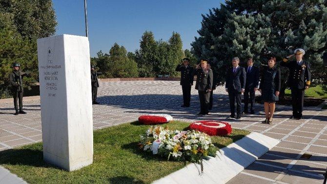 6. Cumhurbaşkanı Korutürk, ölüm yıldönümünde mezarı başında anıldı