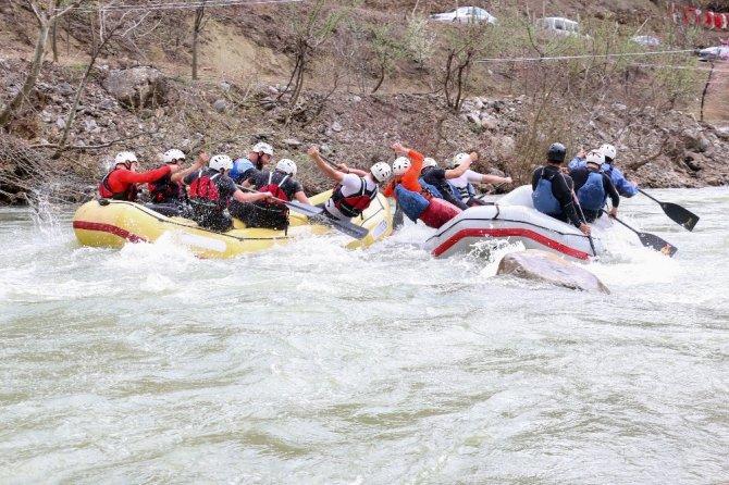 Rafting severlerin yeni gözdesi Yahyalı olacak