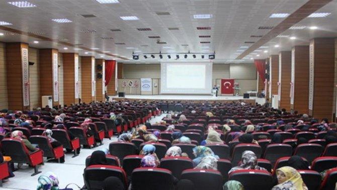 """""""Caminin Hayatımızdaki Yeri ve Önemi"""" konulu konferans düzenlendi"""