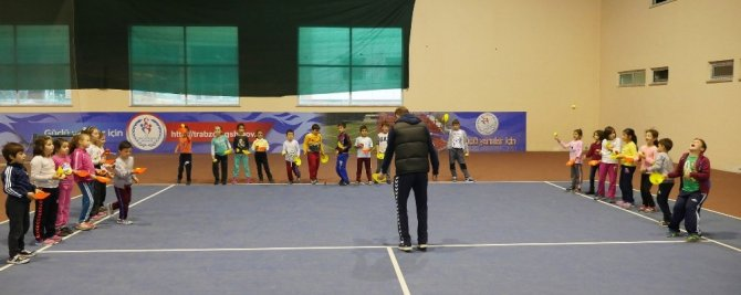 'Geleceğin Yıldızları Projesi' ile 14 branşta spor yapan öğrenciler arasında Trabzon birincileri çıktı