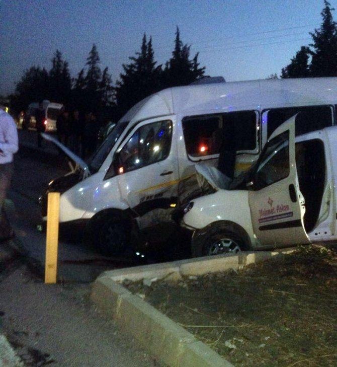 Öğrenci servisi kaza yaptı: 1 ölü, 7 yaralı