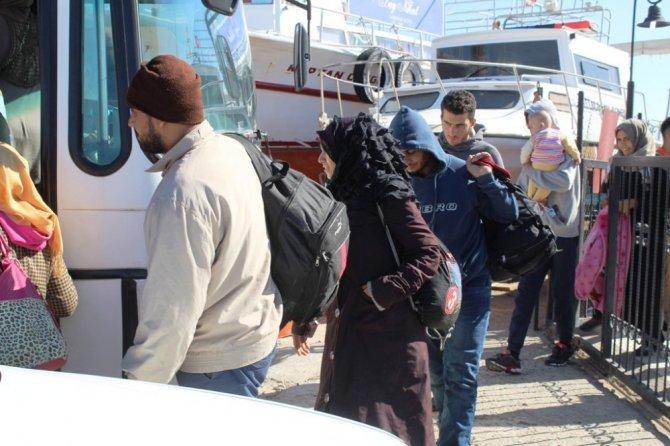 Ayvalık'ta 54 kaçak yakalandı