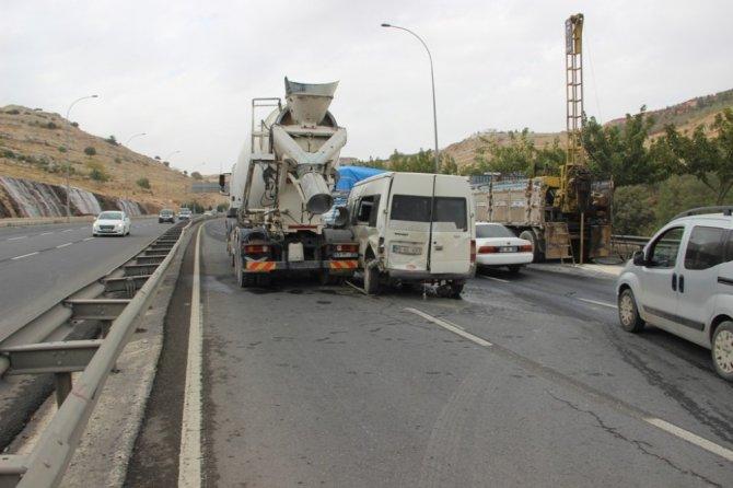 Şanlıurfa'da zincirleme trafik kazası:1 yaralı