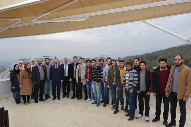 Suriyeli öğrenciler Rektör yardımcısı ile bir araya geldi