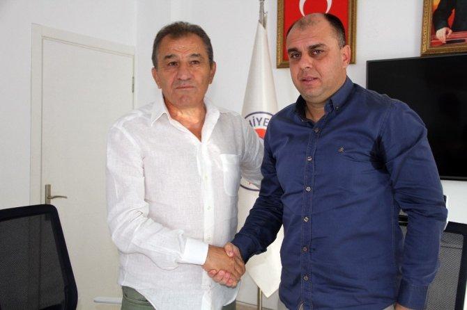 Fethiyespor Hüsnü Özkara ile yollar ayrıldı