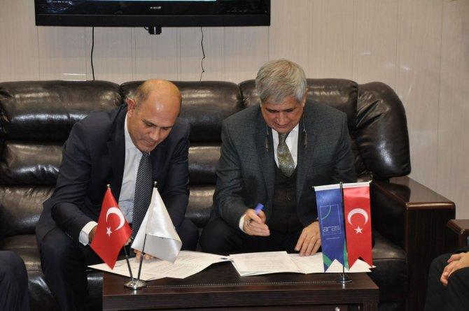 Kafkas Üniversitesi ve ARAS Elektrik işbirliği protokolü imzalandı
