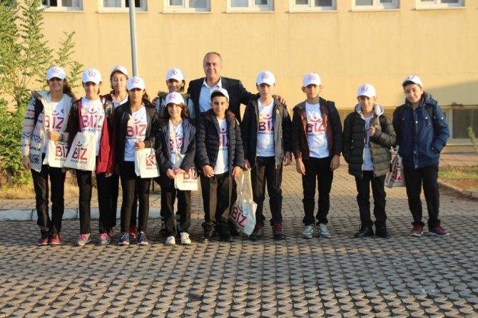 Silopi'de öğrenciler 'Biz Anadoluyuz' projesi ile Antalya'ya uğurlandı