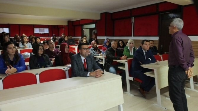 Burhaniye'de öğretmenlere oryantasyon eğitimi