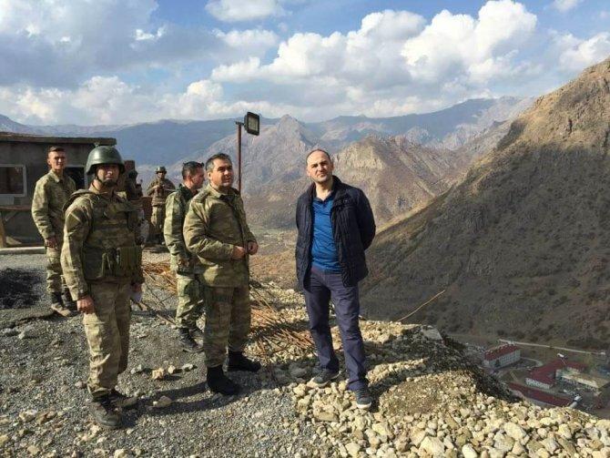 Şener'den güvenlik güçlerine moral ziyareti