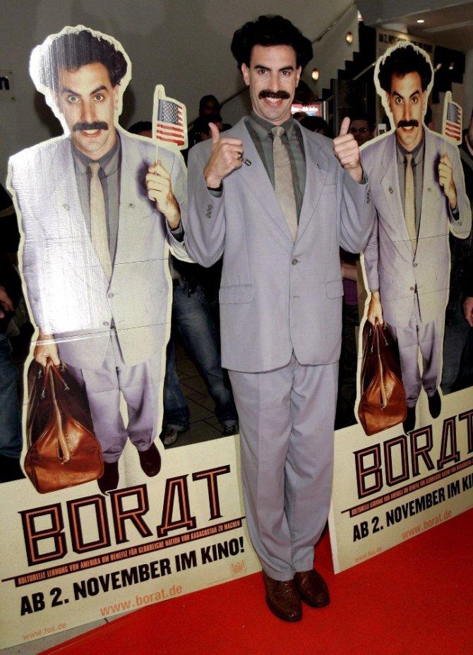 """""""Borat"""" karakteri şeklinde giyinen 6 Çek turist Kazakistan'da tutuklandı"""