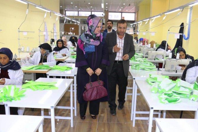 Sağlık Bakanlığı tarafından okullar adağıtılacak kalemlikler Akçakale'de üretilecek
