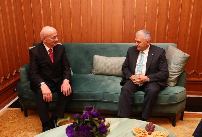 Meclis Başkanı Kahraman'ın Başbakan Yıldırım'a yaptığı ziyaret sona erdi