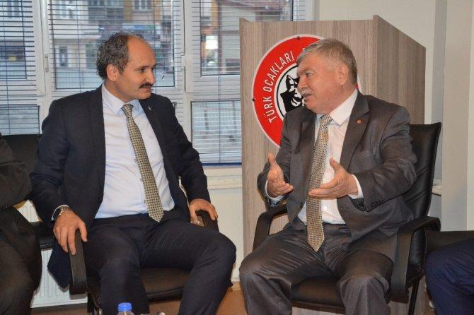 AK Parti İl Başkanı Hasan Demiraslan, Türk Ocaklarını ziyaret etti