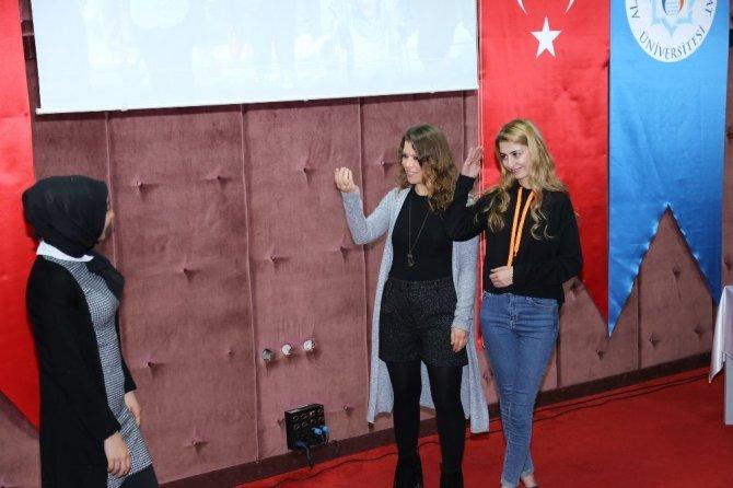 """ALKÜ PDR kulübünden """"Sessizliğe Ses Ver"""" konferansı"""