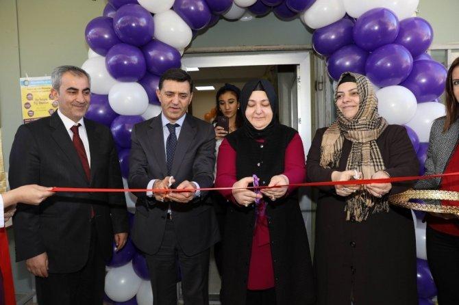 Diyarbakır'da kadın yaşam merkezi açıldı