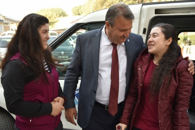 Omur iliği kırılan kızdan Başkan Çerçi'ye destek teşekkürü