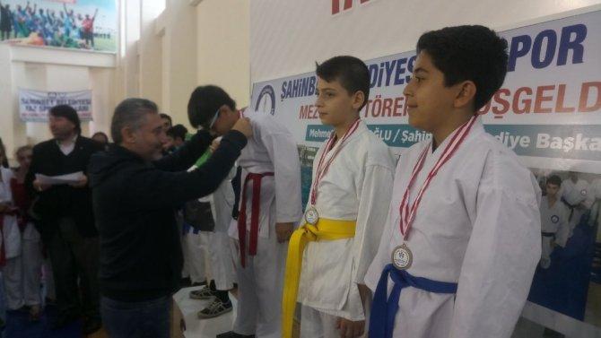 Şahinbey Belediyesi'nden karate turnuvası