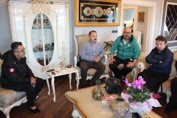 "Başkan Bozbağ'a basın mensuplarından ""Geçmiş olsun"" ziyareti"