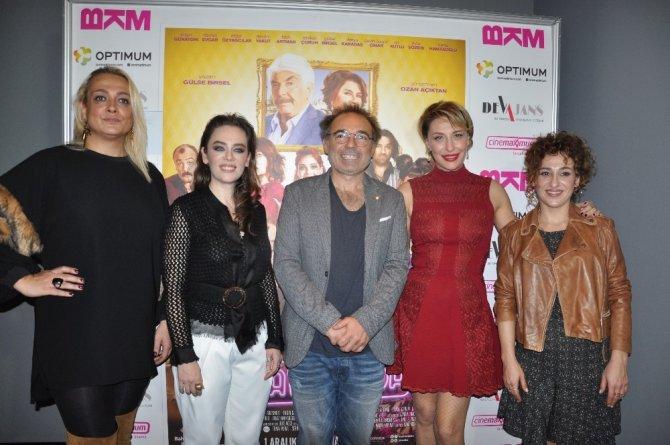 'Aile Arasında' filmi İzmir galasını yaptı
