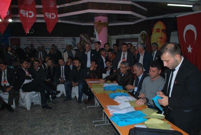 Salihli CHP'de Kocabıyık yeniden seçildi