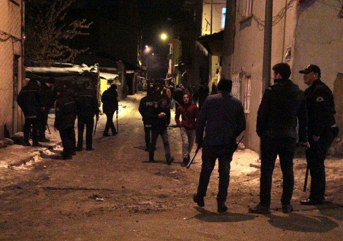 Erzurum'da akraba kavgası mahalleyi savaşına çevirdi