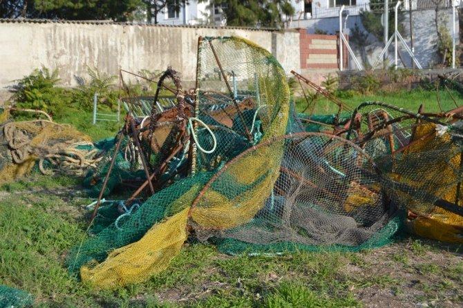 Kaçak deniz patlıcanları ellerinde patladı