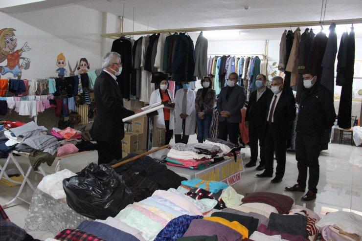 Karaman'da 'Askıda kıyafet' projesi