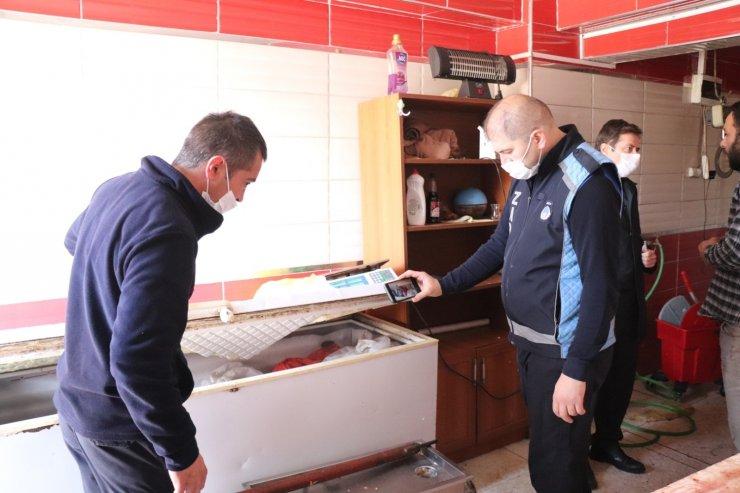 Düzce'de denetimler neticesinde kaçak kesim 750 kilo et ile 120 kilo sakatata el konuldu