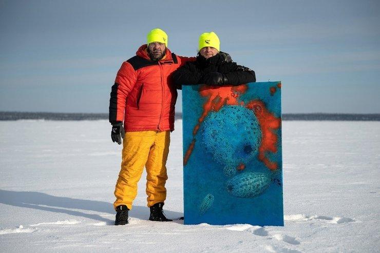 Rusya'da buz tutan denizin altında fotoğraf sergisi
