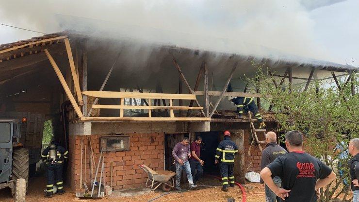 İki katlı samanlık alev alev yandı