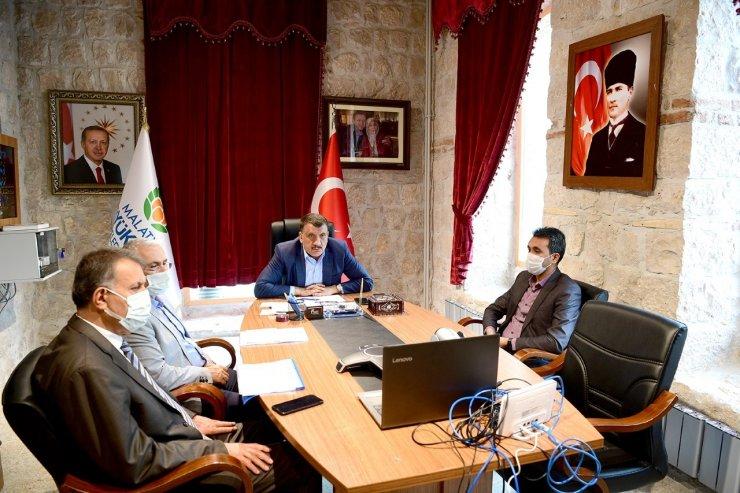 """Gürkan: """"Malatya çevreye duyarlı çalışmalarıyla örnek bir il"""""""