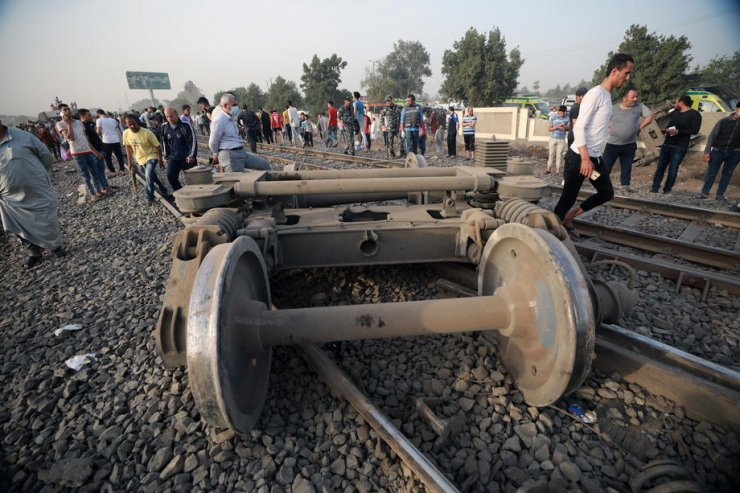 Mısır'daki tren kazasında ölü sayısı 11'e yükseldi