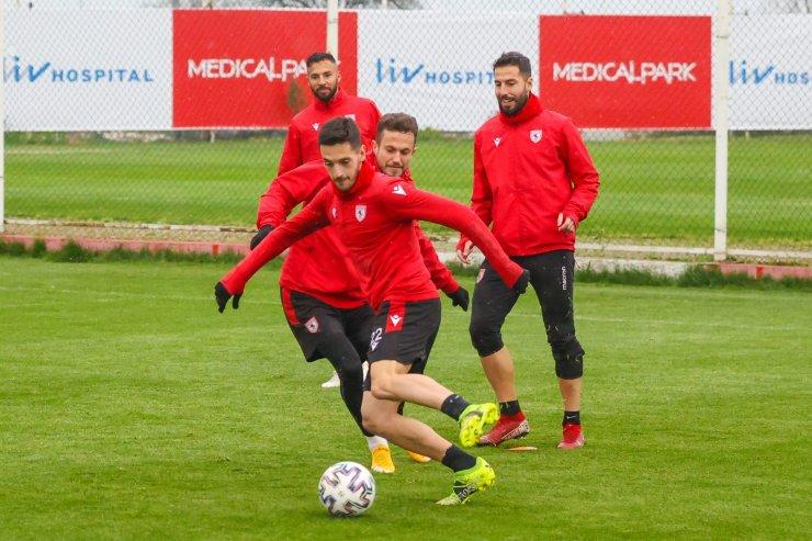 Samsunspor ile Bursaspor 69. randevuya çıkıyor