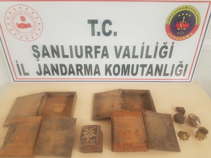 JASAT alıcı kılığında 500 bin dolar değerindeki kitabeleri ele geçirdi