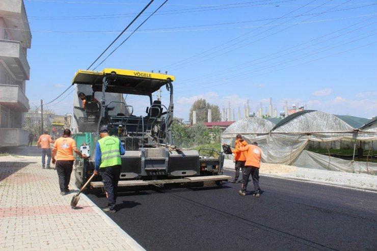 Büyükşehir Belediyesinin asfalt çalışmaları devam ediyor