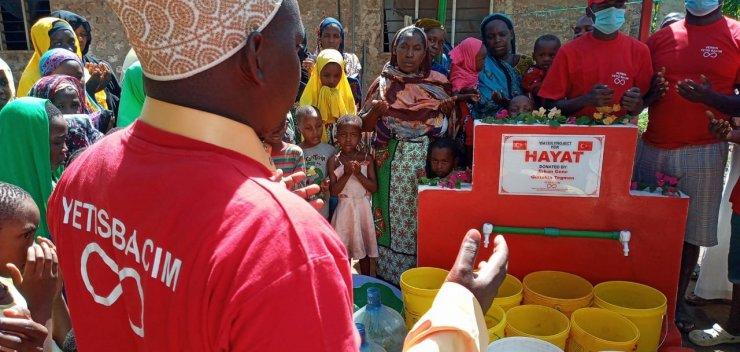 """Tomarzalı Hayırsever Hanife Ada: """"Afrika'da 14. su kuyumuz dualar eşliğinde açıldı"""""""