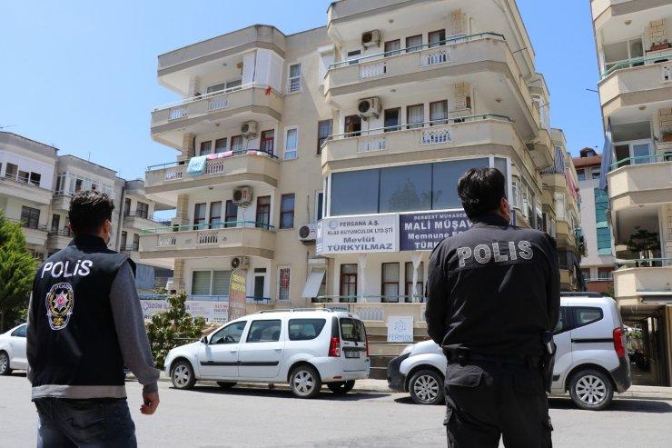 Alanya'da 10 kişinin testi pozitif çıktığı apartman karantinaya alındı