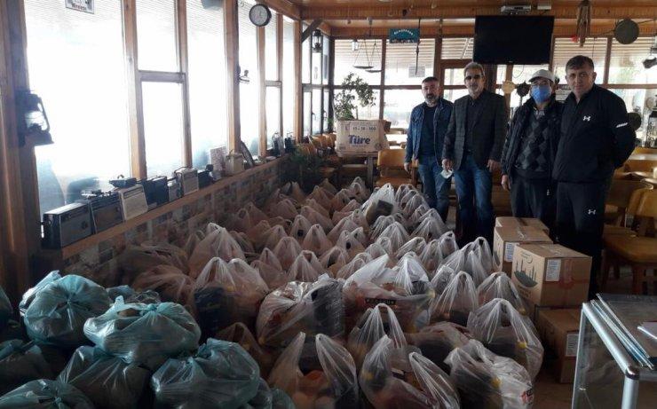 Çatalzeytinliler Derneği'nden ihtiyaç sahiplerine kumanya yardımı