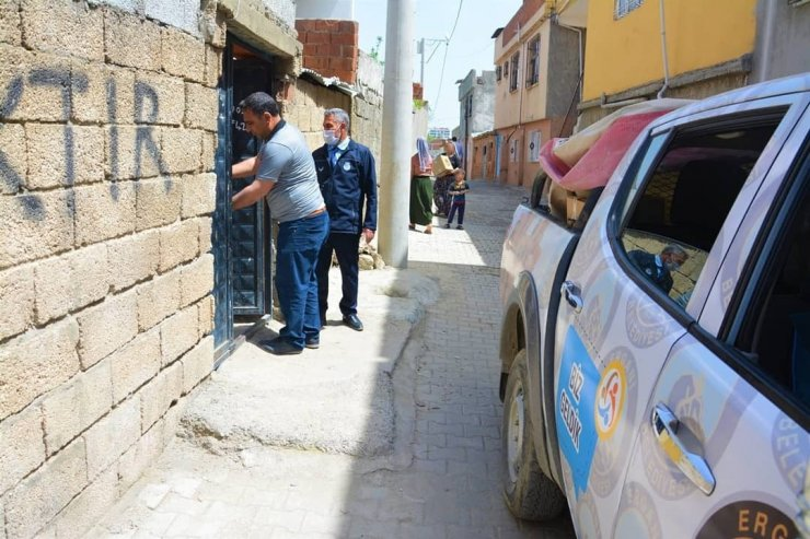 Ergani Belediyesinden maddi durumu düşük vatandaşlara gıda yardımı