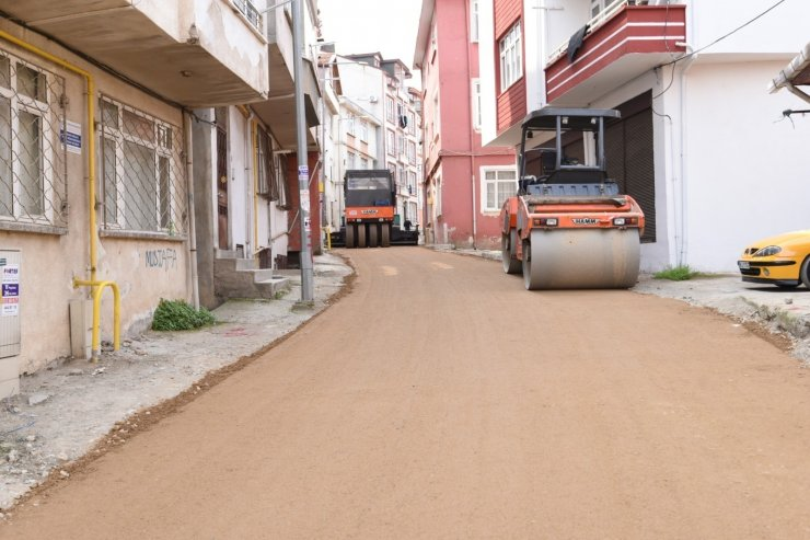 Altınordu'da alt ve üstyapı çalışmaları devam sürüyor