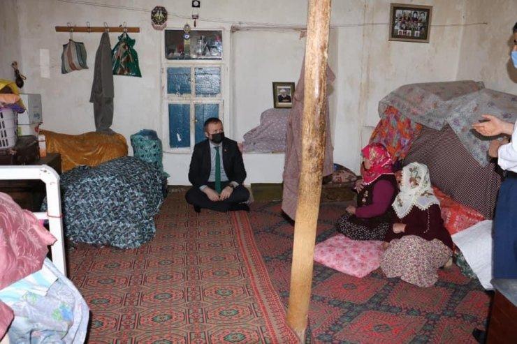 Hizan Kaymakamı Muhammed İkbal Yelek, hane ziyaretinde bulundu