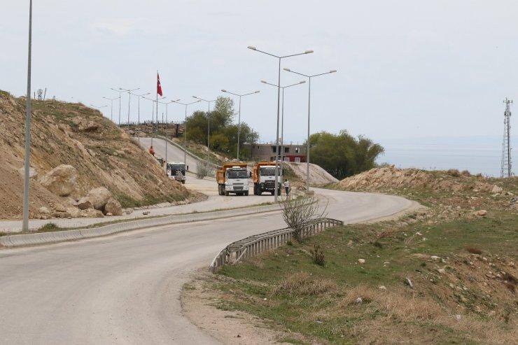 Van Büyükşehir Belediyesi TOKİ yolundaki çalışmalarını sürdürüyor