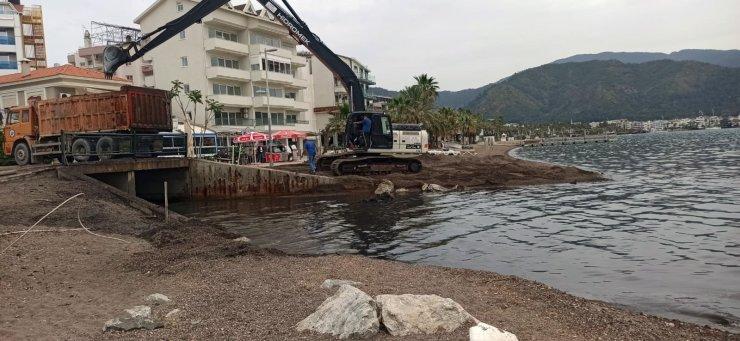 Marmaris Ketenci Deresi'nden 945 ton atık çıkarıldı