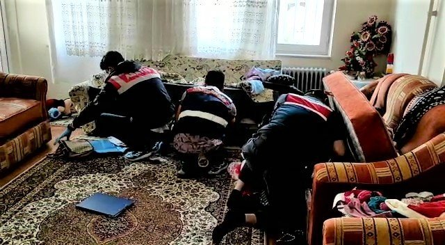 Elazığ'dan gelen 3 mimarı kağıt parçaları ile 200 bin TL dolandıran çete üyeleri tutuklandı